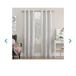 Sun zero faux silk 100% black out curtain